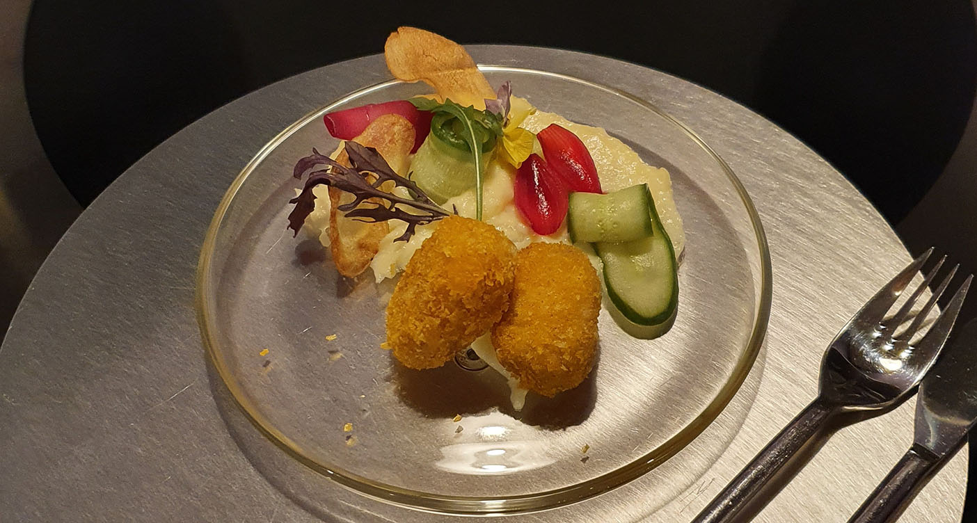 Nuggets with POM's Cultured fat