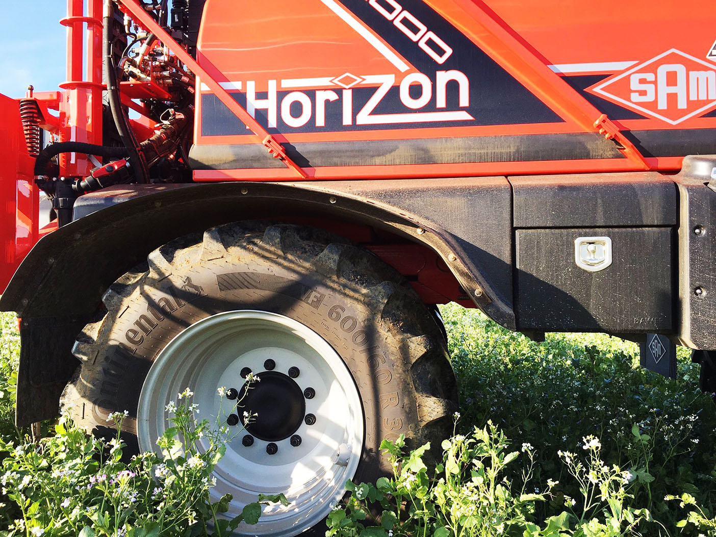Continental VF tyres have been fitted to a SAM Horizon 4000 self-propelled sprayer