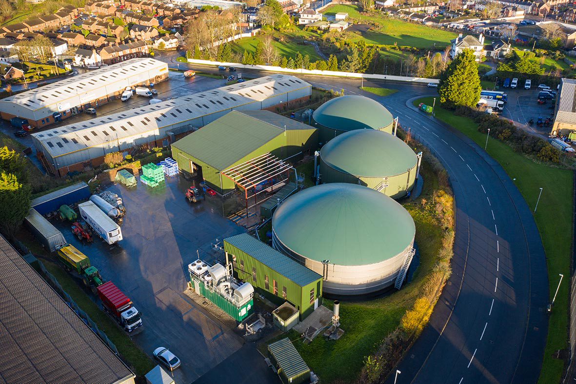 The biogas plant of the Northern Irish food logistics company McCulla Transport will go live producing biomethane in July 2021 following a plant expansion by WELTEC BIOPOWER and partner companies.